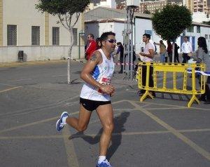 Un atleta del club Murgiver durante una competición